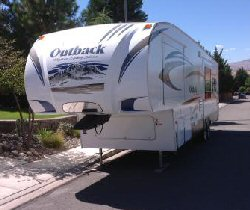Fifth Wheel Travel Trailer